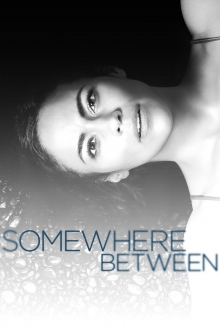 Cover von Somewhere Between (Serie)